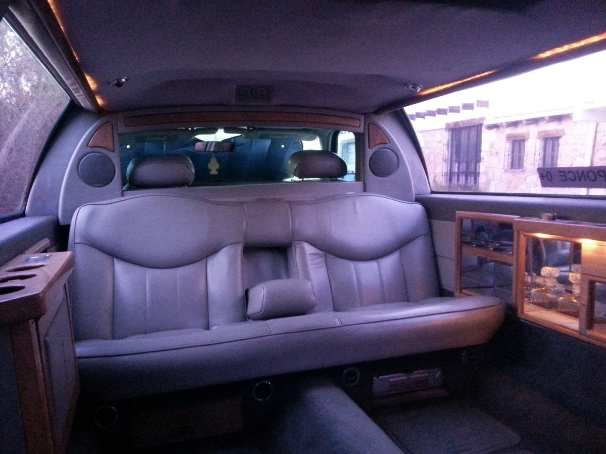 [Image: Interior%20of%20the%20infamous%20Ultimat...20Limo.jpg]