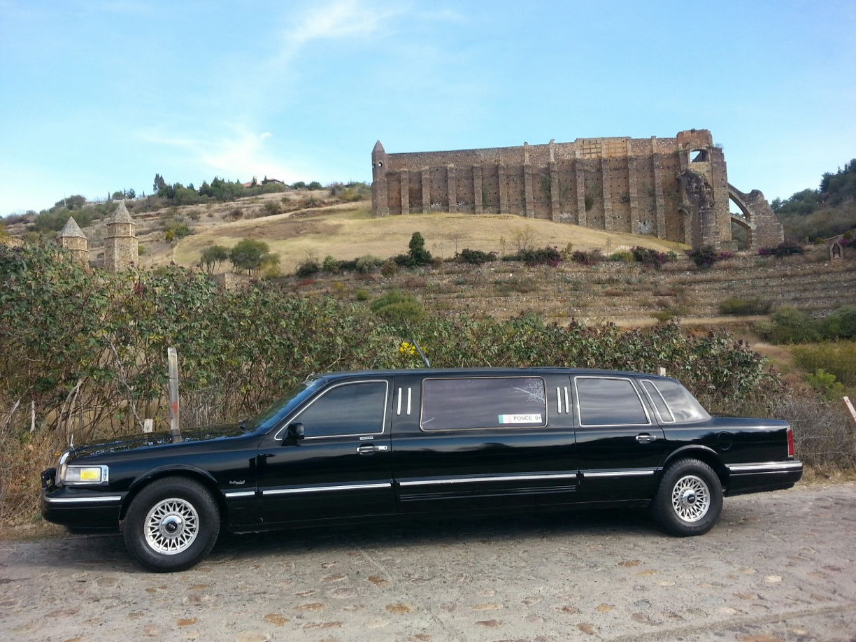 Private Limousine Tours in Colonial Guanajuato for International Rock Stars